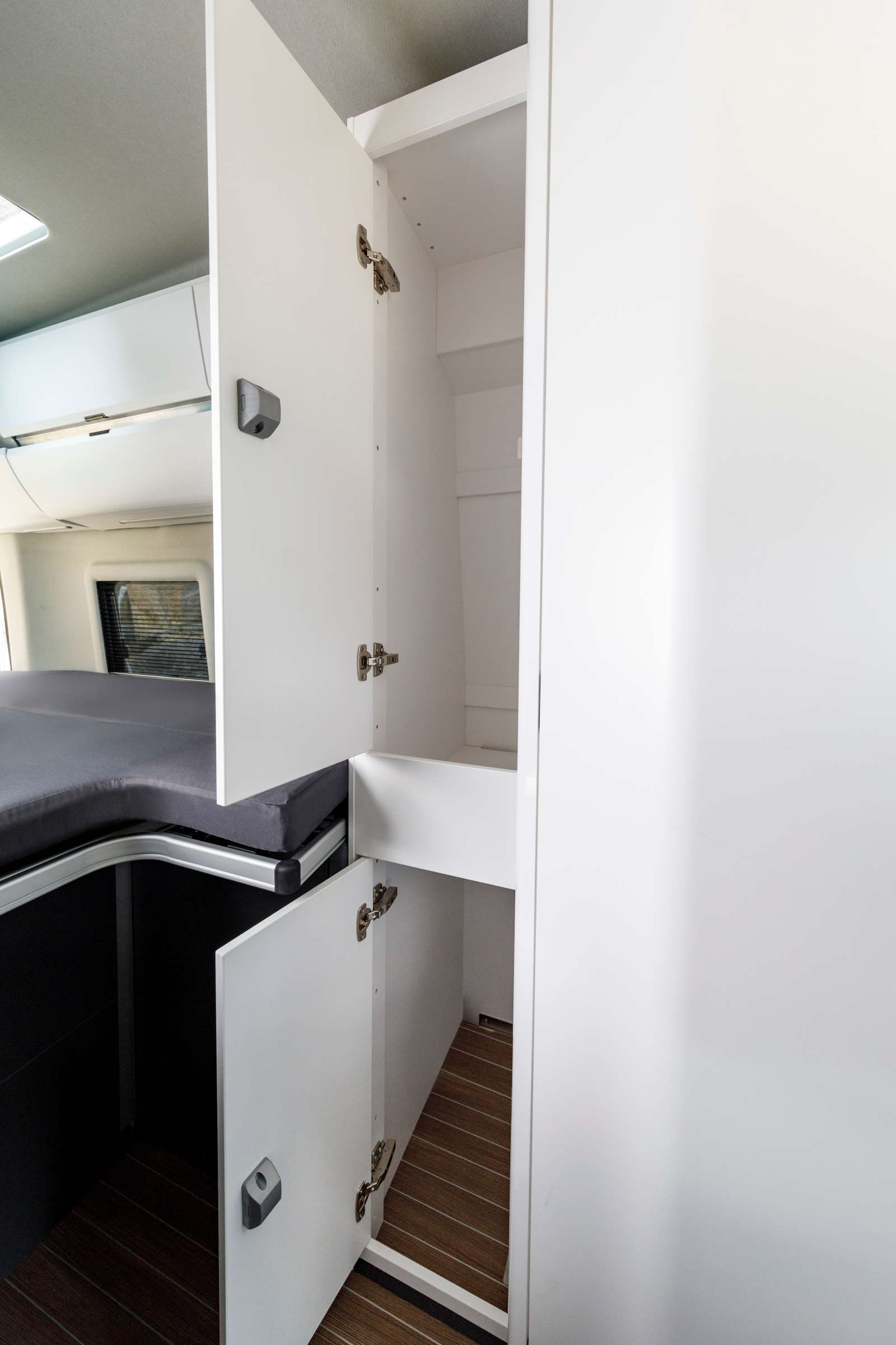 vw grand california gr er und besser als der t6. Black Bedroom Furniture Sets. Home Design Ideas
