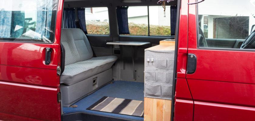 Innenausbau eines VW T4 Campervans