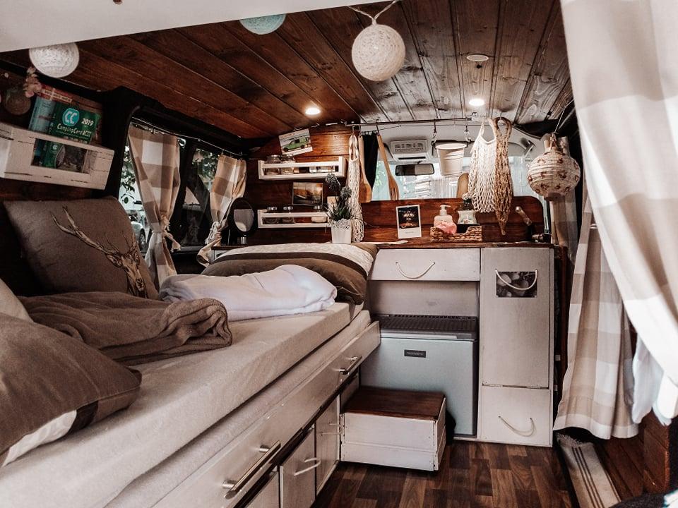 Bett im VW T5 Camper