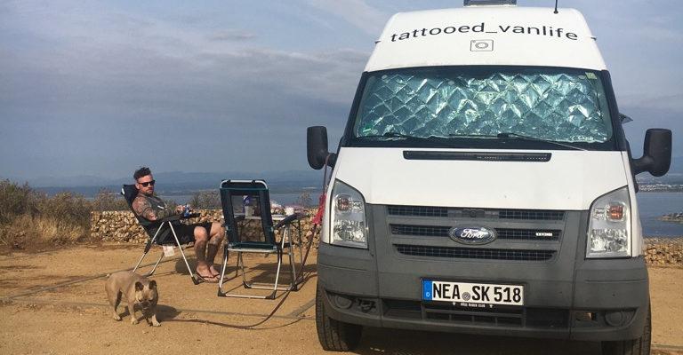 Ford Transit Camper Van Ausbau auf Reisen