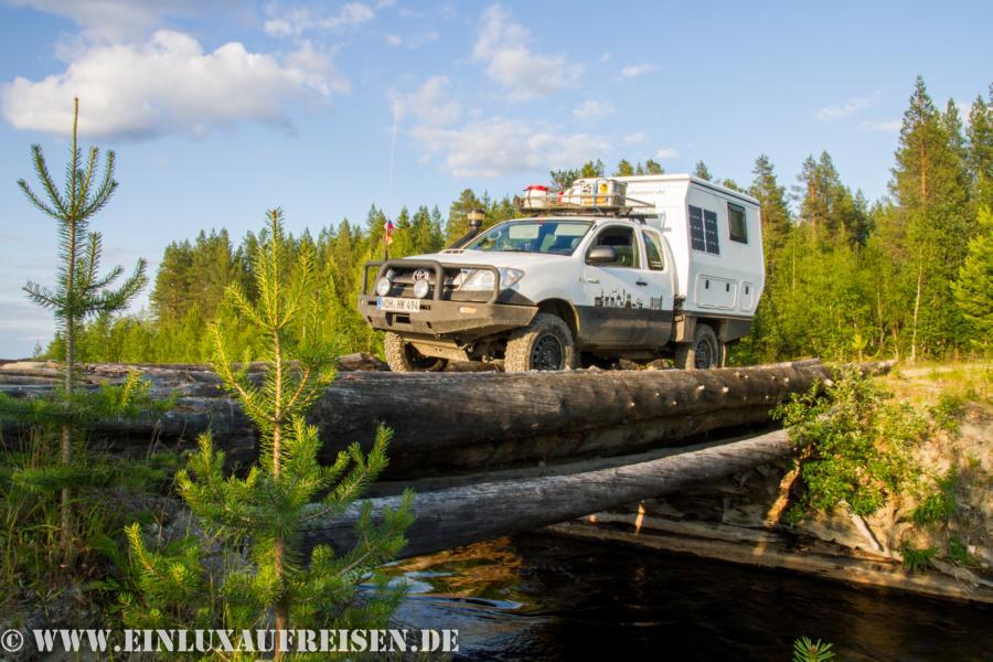Toyota Hilux Selbstbau-Wohnkabine auf Tour